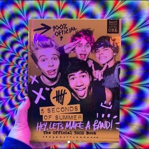 Hey Let's Make a Band: Official 5SOS book
